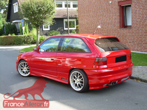 Becquet / Aileron pour Opel Astra F