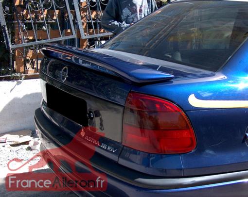 Becquet / Aileron pour Opel Astra F Sedan