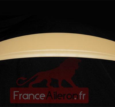Becquet pour Peugeot 308 (prêt à peindre - Vue sur les fixations)