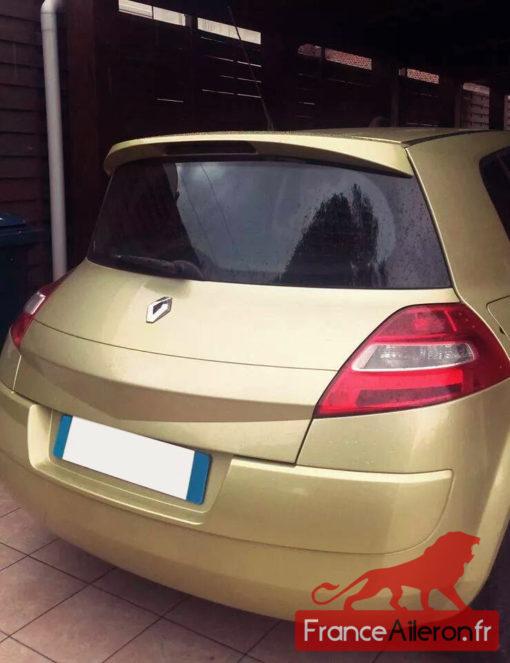 Photo du becquet pour Mégane 2 envoyée par un acheteur