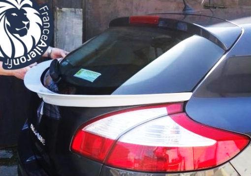Becquet pour Renault Megane 3 hatchback 5 portes